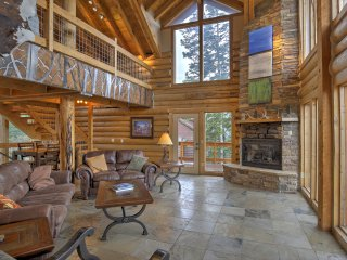 Rustic Breckenridge Cabin w/Hot Tub & Mtn Views!