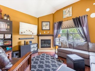 Beautiful 2bdr Home - 10 Min to Knotts Berry Farm!