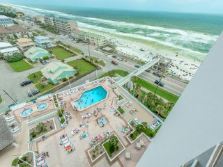 Surfside Resort 1103- 2BR- Real Joy Fun Pass -FAB views from 11th Fl Balcony