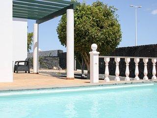 Villa Alisios | Cosy 3 bedroom villa with private pool in Playa Blanca