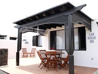 Casa Las Rosas - Beautiful front line holiday home in a prime location