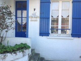 Lazyloc - Villa blanc bleu 6/7 personnes avec jardin à 800m de la plage