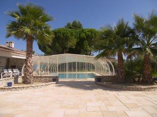 Coté Provence avec piscine couverte et chauffée