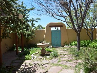 Casa Kachina in Beautiful Los Altos Great Mountain Views