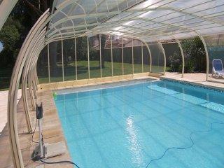 Cote Provence avec piscine couverte et chauffee