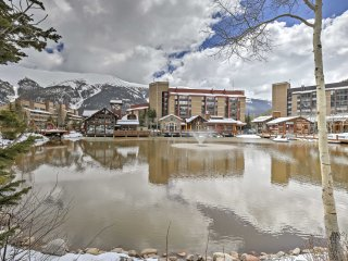 New! 2BR/ 3BA Copper Mtn Condo - 1 Min Walk to Ski Lift!