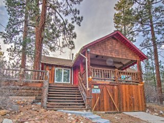 Cozy 2BR Big Bear Cabin with Lake Views!