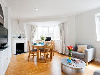 A gorgeous and bright one bedroom in the heart of Chelsea