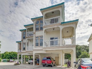 Contemporary ocean-view townhouse with community hot tub and pool