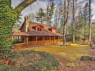 NEW! 4BR Sapphire Cabin w/Fire Pit & Game Room!