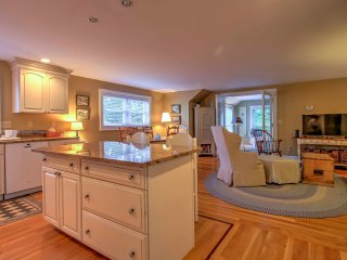 NEW! Charming 2BR Kennebunk Guest House Near Beach