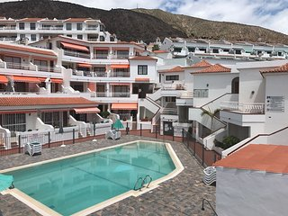 Diamantes/ Apartamento SOL TODO EL DIA// WIFI//PISCINA//VISTAS al MAR, 2 terraza