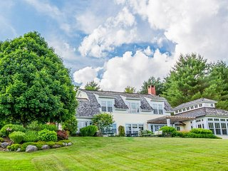 Exquisite country estate w/ tennis, game room & lake views - close to skiing