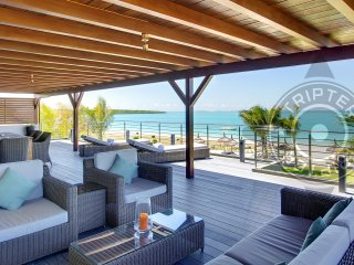 PAHO 4BR Beach Penthouse on Blue Bay