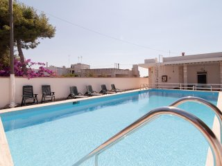 Villa with Pool 10 meters from Sea