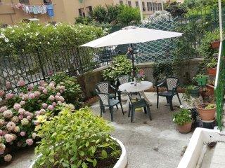 Appartamento con giardino e posto auto indipendente vicino all'ospedale Gaslini