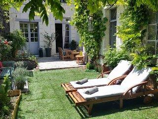 Belle suite independante sur jardin et riviere