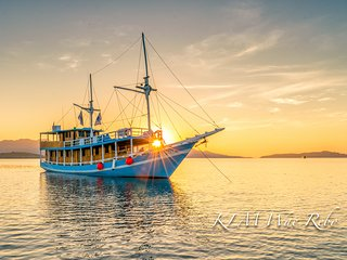 KLM Wae Rebo and Sunrise at Komodo Island