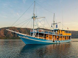 KLM Wae Rebo morning at Komodo Island
