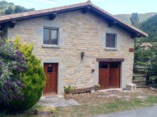 casa rustica en zona tranquila y cerca de Pamplona