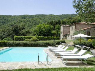 Holiday house for 12 persons, with swimming pool
