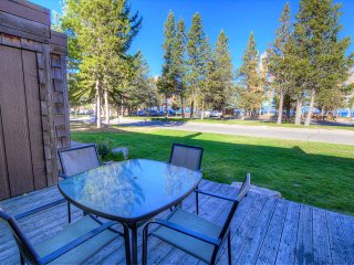 Gorgeous Remodeled Condo Located Directly Across the Street from the Beach