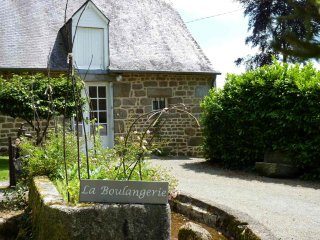 Cottages between Mont Saint Michel Saint Malo and Dinan : Manoir du Vaugarny