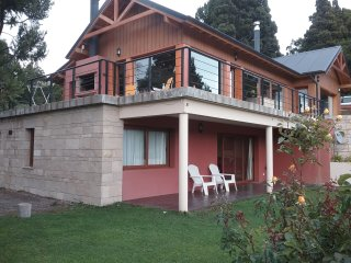 Bariloche Apartment Sleeps 4 with WiFi - 5677638
