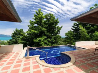 3 Bed Sea View Villa 5 mins walk beach (Pad Thai)