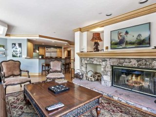 Beaver Creek Lodge Condo, YR Pool & Hot Tub, Steps to Village, Shopping