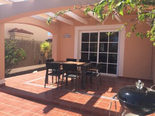3 bed villa, shared pools, wifi, Sat TV, golf course views.