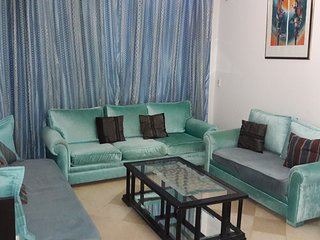 Spacious very modern apartment richly furnished