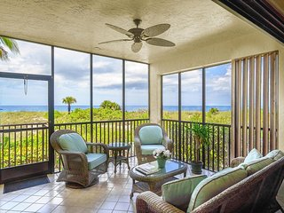 2 BR/2BA Beachfront Condo Just 50' From The Ocean At The Boca Grande Club