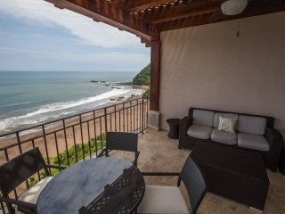 Spectacular 3 bedroom Penthouse at Croc's Resort & Casino