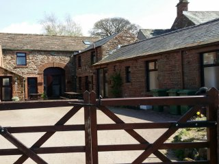 HAWTHORN COTTAGE - YOUR COSY COUNTRYSIDE RETREAT !