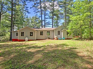 NEW! Lakeside 3BR Tilton Cabin w/Outdoor Firepit!