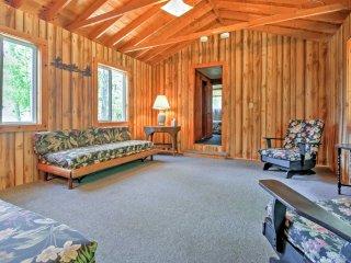 NEW! Lakeside 3BR Tilton Cabin w/Outdoor Firepit!