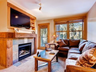 Great Location in River Run - Walk to Lifts. Kids Ski Free! ~ RA153089