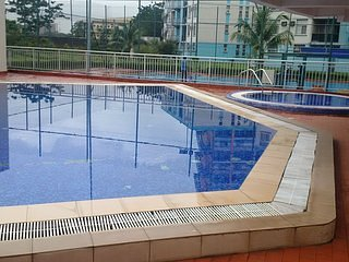 STYLISHLY FURNISHED 3 BEDROOM APARTMENT, holiday rental in Lagos State