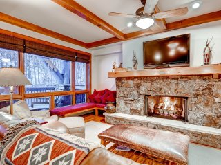 2Br/2.5 Bath Bear Paw Lodge, slope side in Bachelor Gulch ~ RA141854