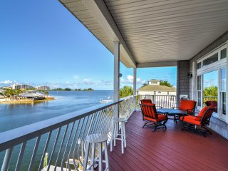 Waterfront Hudson  Home w/Porch, Dock & 2 Kayaks!