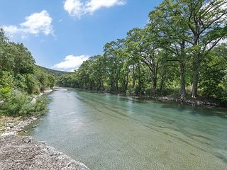 Jump right in the river at this 3/2.5 right on River Road!