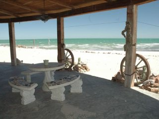 Beachfront Vacation House FULL AC throughout 50% OFF RENTAL RATES DISCOUNTS