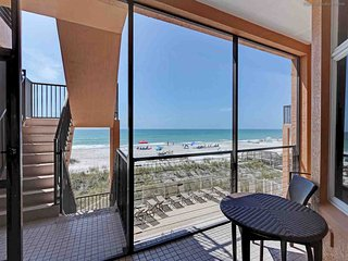 Bradenton Beach Club Unit B ~ RA43383
