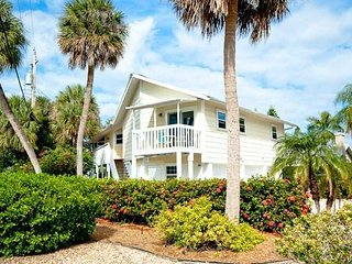 Open and Airy Holmes Beach Home ~ RA43439
