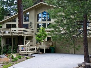 Cozy Tahoe Mountain Retreat ~ RA3429