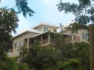 4-Acre Private Estate - Beauty, Romance, Adventure!