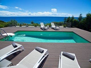 Luxury 3 bedroom Villa in Kefalonia, Greece, with private access to the sea.