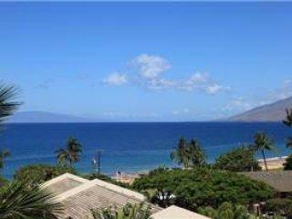 Maui Banyan G-502 ~ RA73389
