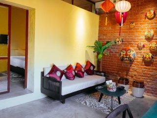 Vietnam1989 ★ Mai's Cozy Vintage City Centre Home w/Natural Light
